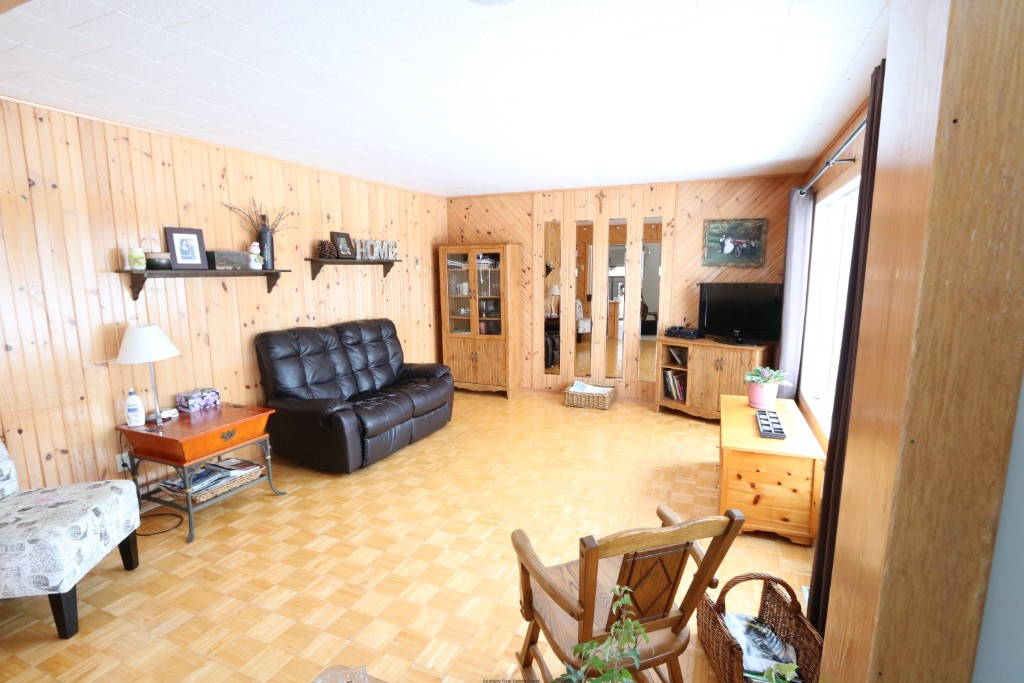 14 leclaire st, Noelville Ontario, Canada