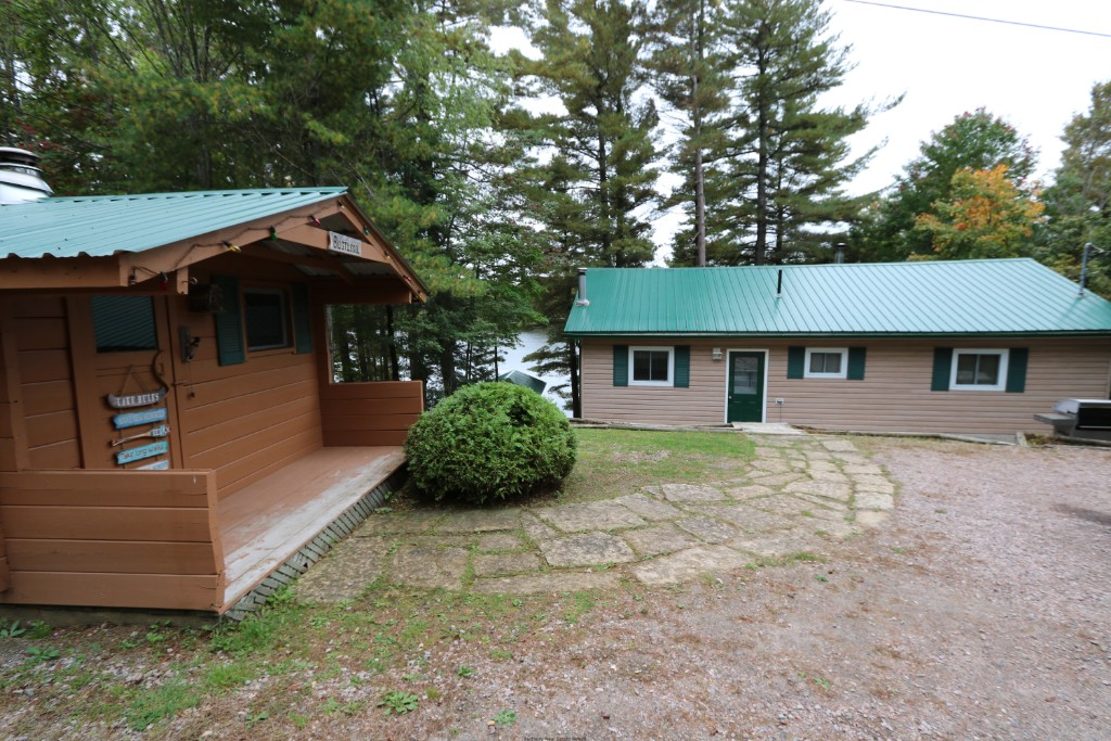 505 f ash bay rd, Noelville Ontario, Canada Located on French River